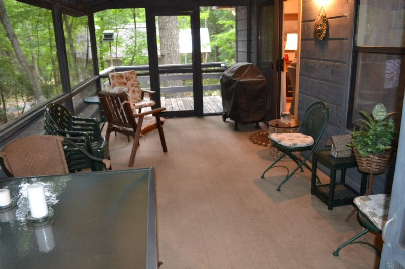 Enjoy the Screened in Porch During ALL Seasons