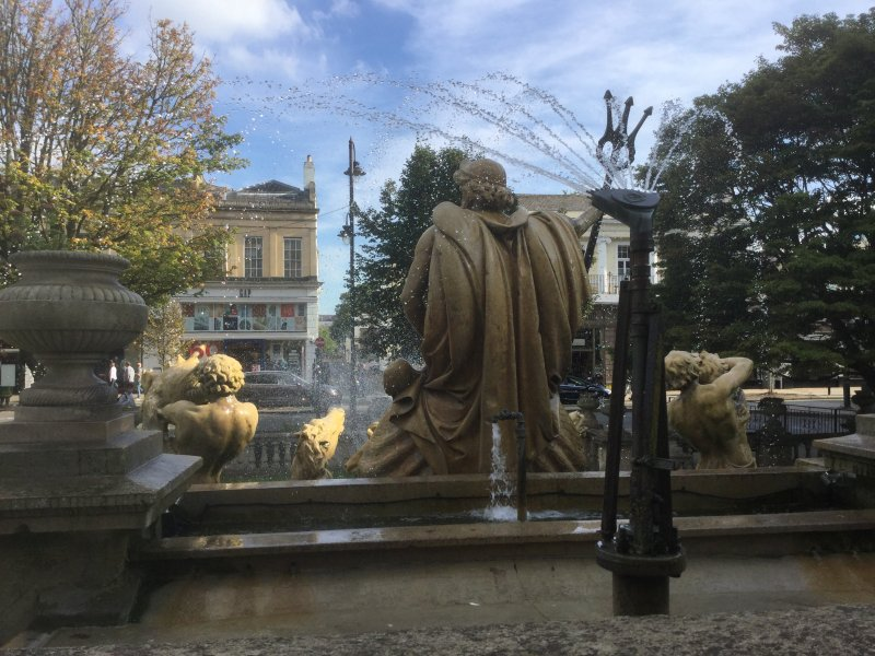 Statues and fountains in The Promenade- 1 minute walk