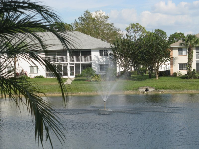 SAPPHIRE LAKES in Naples, Florida.  Close to beaches, golf, shopping and restaurants.