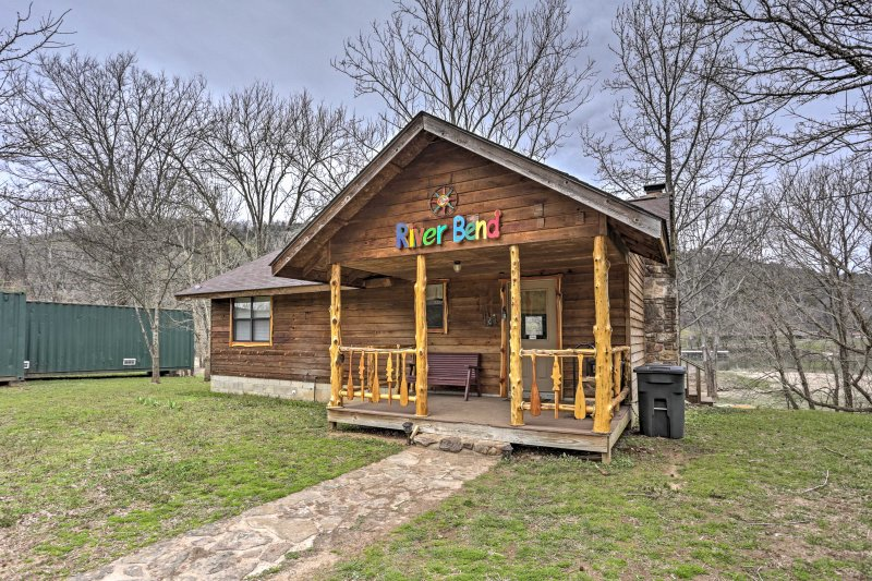 Experience the best of Arkansas from this Mountain View vacation rental cabin!