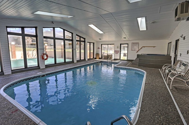Enjoy community amenities when you book this 2-bedroom vacation rental condo in Branson!