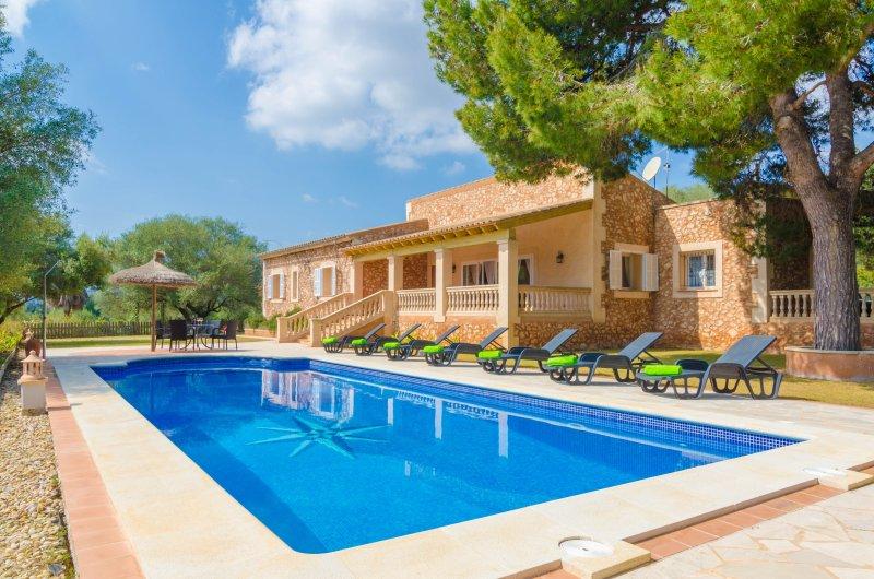 SA MARINA (ANTENA) - Villa for 8 people in Cales De Mallorca, location de vacances à Calas de Majorca