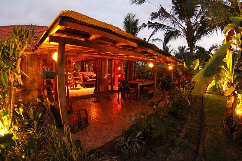Balian Beach Villa - Surfs Up, holiday rental in Pekutatan