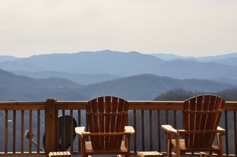 Sequoyah Sunset - Stunning Long Range View - Huge Luxury Cabin - Game Room with, vacation rental in Bryson City