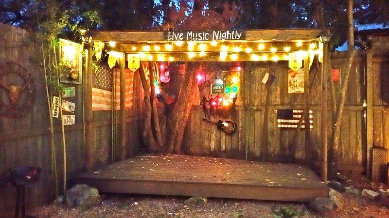 palco de música ao vivo no quintal