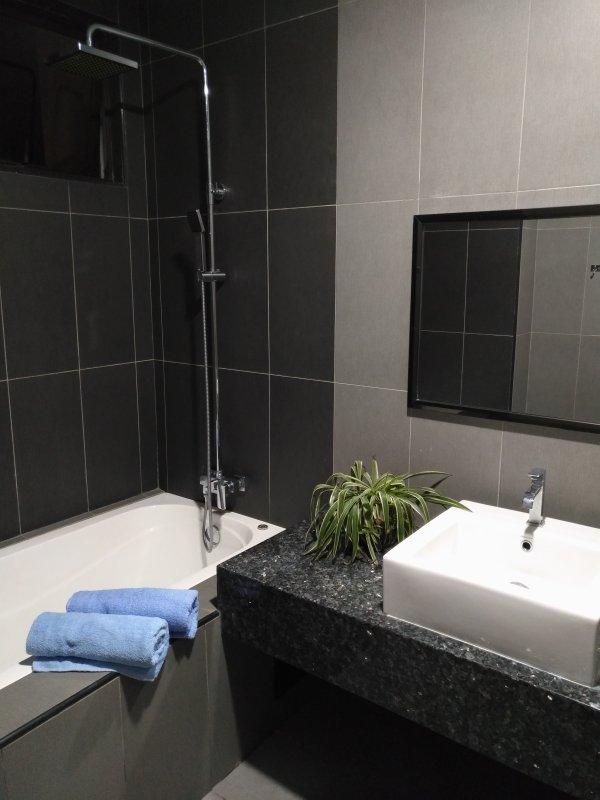 Master bedroom wash room