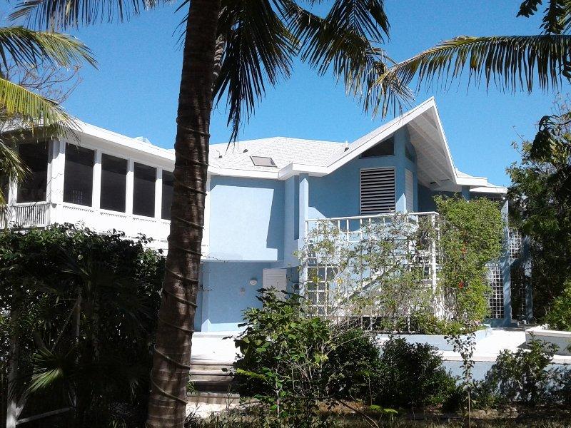Blue Villa by Grace Bay Beach