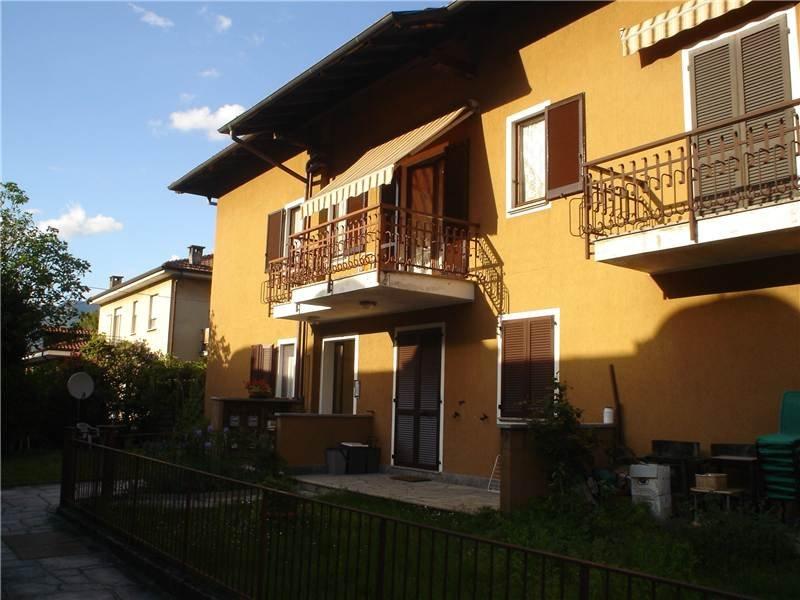 Studio ampio luminoso e centrale, holiday rental in Baveno