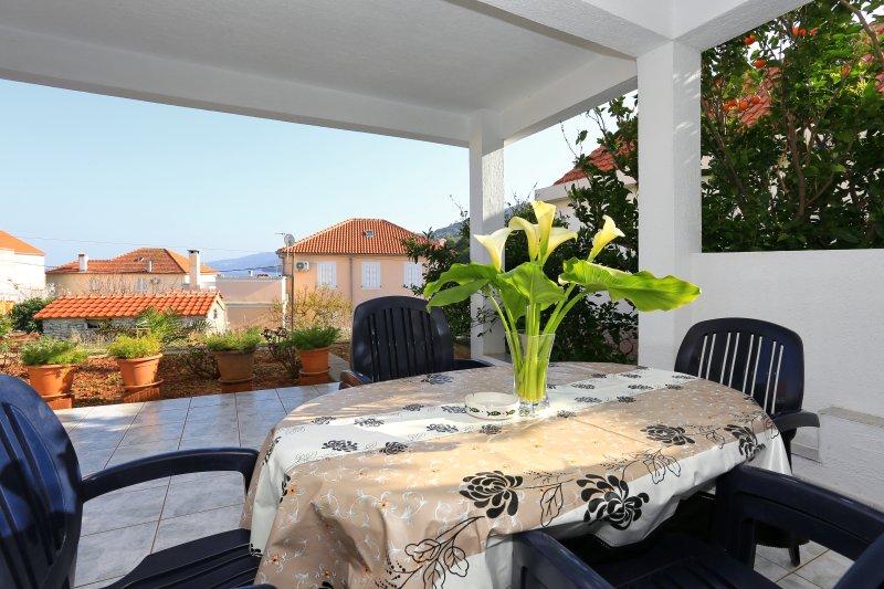 Apartment Olivera 3 - Božava, aluguéis de temporada em Dragove