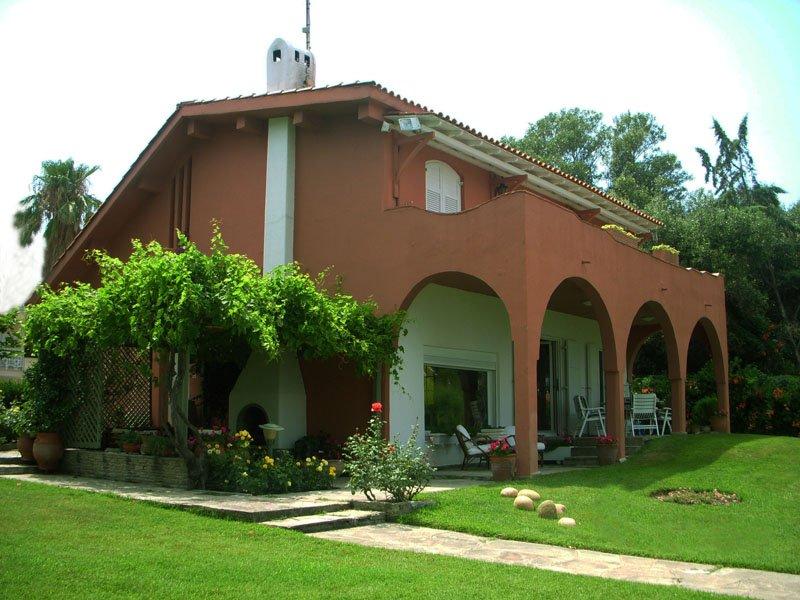 Chanioti    Unique Villa By The Sea, vacation rental in Chaniotis
