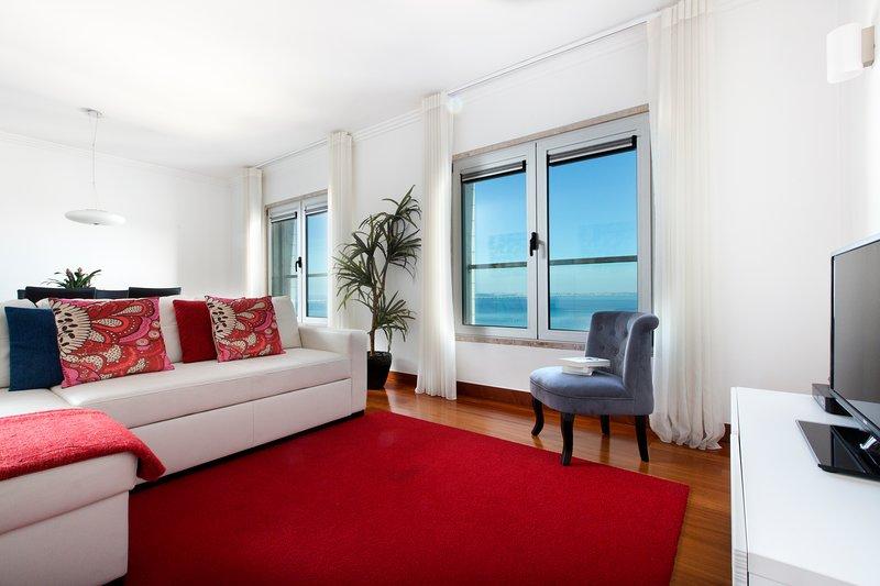 APT IN LISBON ORIENTE 25 | Apartamento com 2 Quartos e Vista de Rio, vacation rental in Montijo