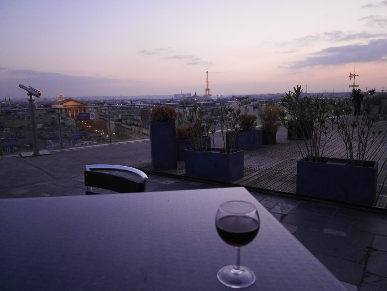 A sunset drink with a view on the Eiffel Tower