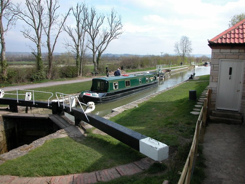 A narrow boat 'locking through' on the Kennet and Avon Canal