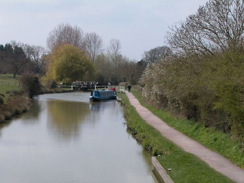 The Kennet & Avon Canal from the bridge