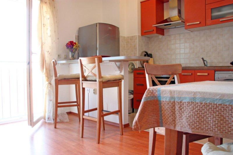 Appartement San Elena dispose d'un salon-salle à manger spacieuse chambre ouverte.