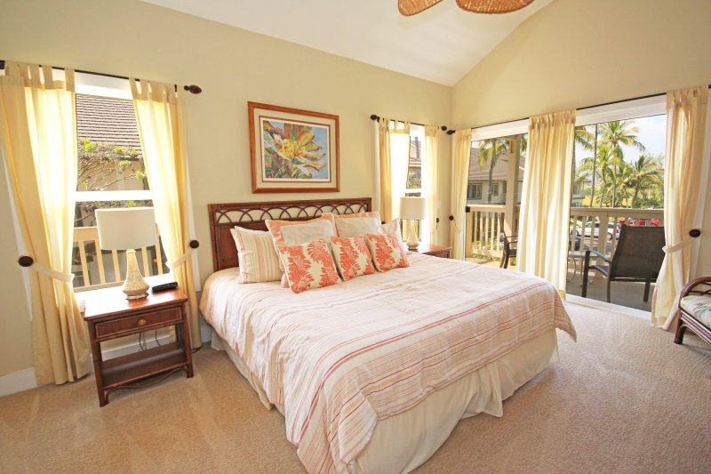 Master Bedroom with King Bed and Lanai