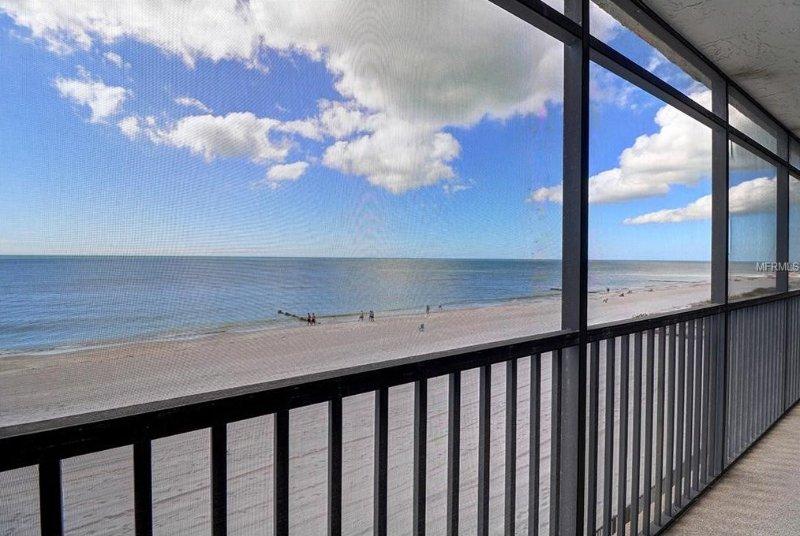 Beautiful Beachfront Condo!