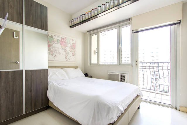 Condo w/ free airport pick-up, holiday rental in Cavite City