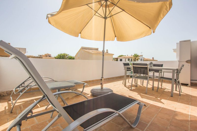 Covetes - cozy apartment next to the beach, vacation rental in Colonia de Sant Jordi
