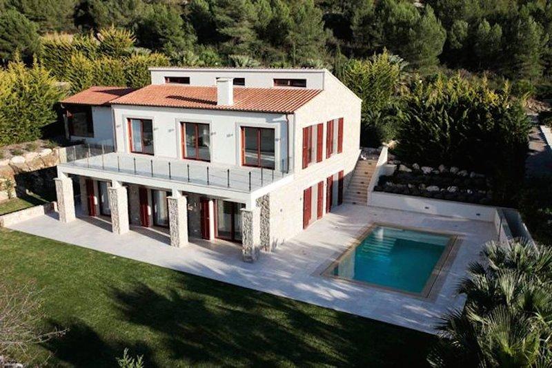 Villa Jade by Cap Vermell Estate, location de vacances à Capdepera