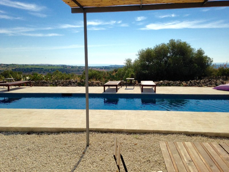 Beautiful privat pool with sea view