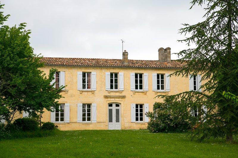 Gîte familial 10 personnes, Ferienwohnung in Villenave D'ornon