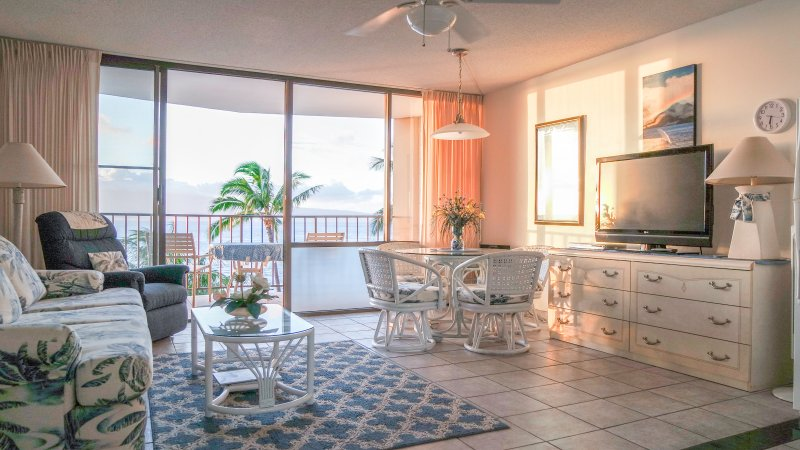 Beautiful self contained studio with gorgeous oceanfront views