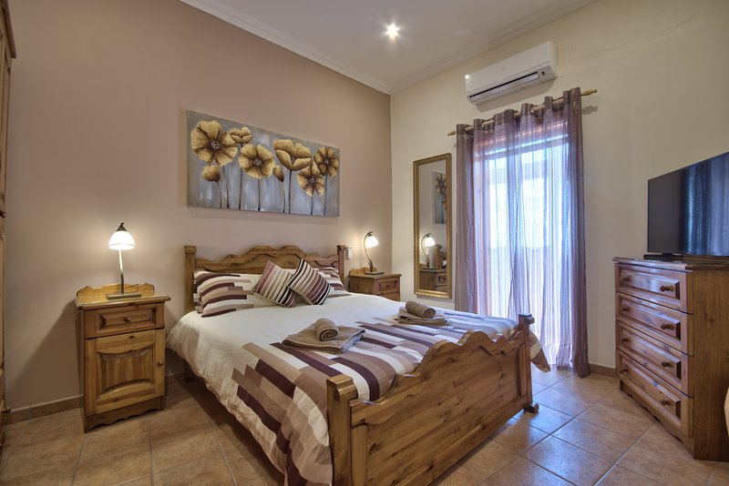 Valletta Apartments 19 Apt 4, vacation rental in Bahar ic-Caghaq
