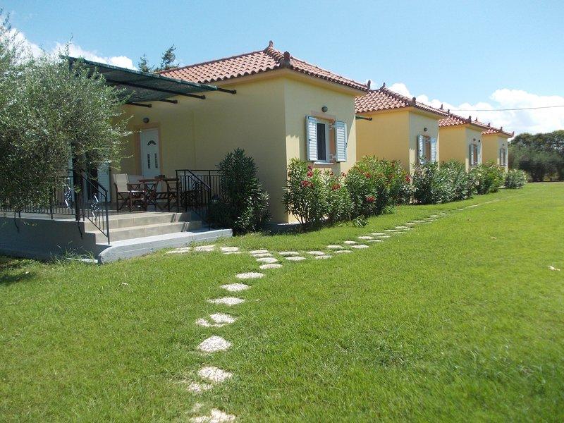 AnthosGuestHouses, holiday rental in Neochori