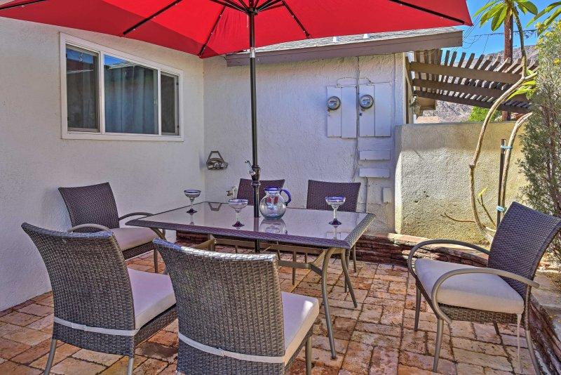 Old Town La Quinta Home w/ BBQ Area & Walkability!, holiday rental in La Quinta