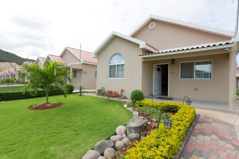 the caymanas villa updated 2019 2 bedroom house rental in portmore rh tripadvisor com