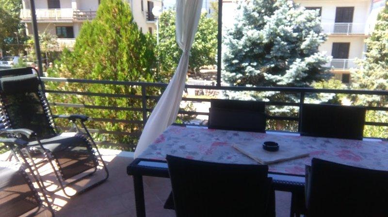 Nice apartment near the beach, holiday rental in Njivice