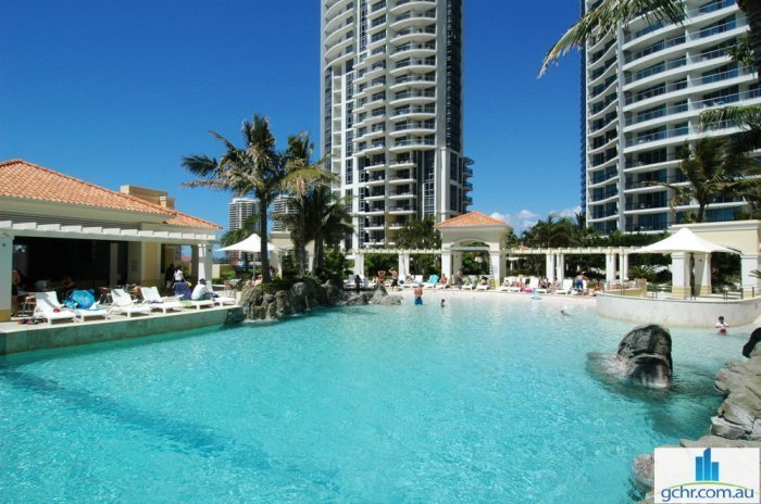 Pooldeck Resort Escape Chevron Renaissance, holiday rental in Gold Coast