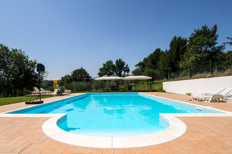 Beautiful apt with pool access, vacation rental in San Giacomo