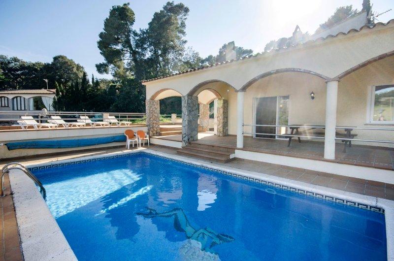Casa con piscina en la Costa Brava, Ferienwohnung in Pals