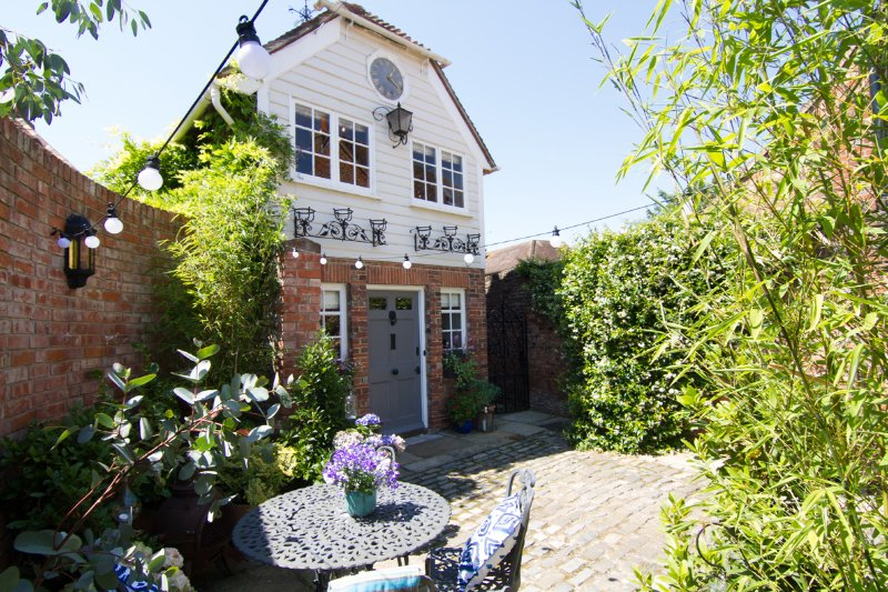The Clock House Luxury Self Catering Accomodation, vacation rental in Chichester