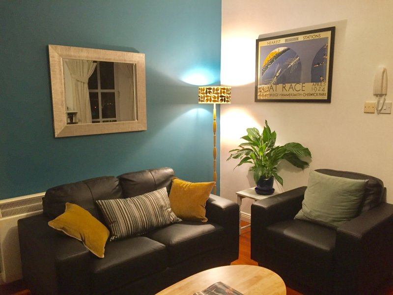 Apartment in converted Convent, Carrick-on-Shannon, vacation rental in Dromod