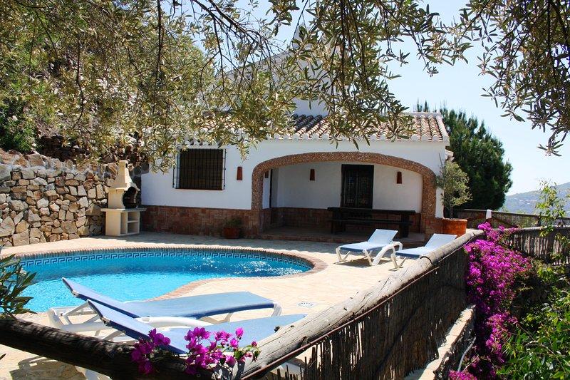 Finca Ventorrillo con piscina privada, vacation rental in Competa