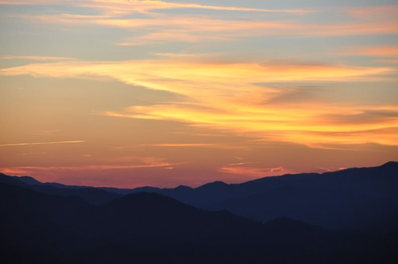 A Bear's Retreat - Mountain Top Luxury Cabin with Incredible Views and Hot Tub -, holiday rental in Bryson City