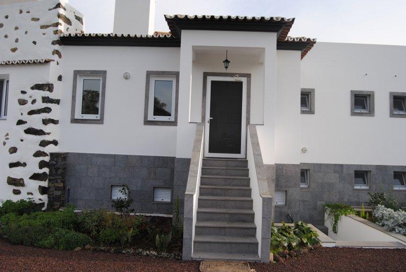 Casa ao pé da praia - S. Miguel - Açores, vacation rental in Ponta Delgada