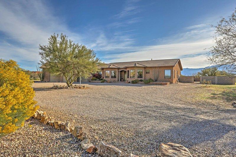 Usted está seguro de hacer recuerdos duraderos en esta casa de vacaciones en Tucson.