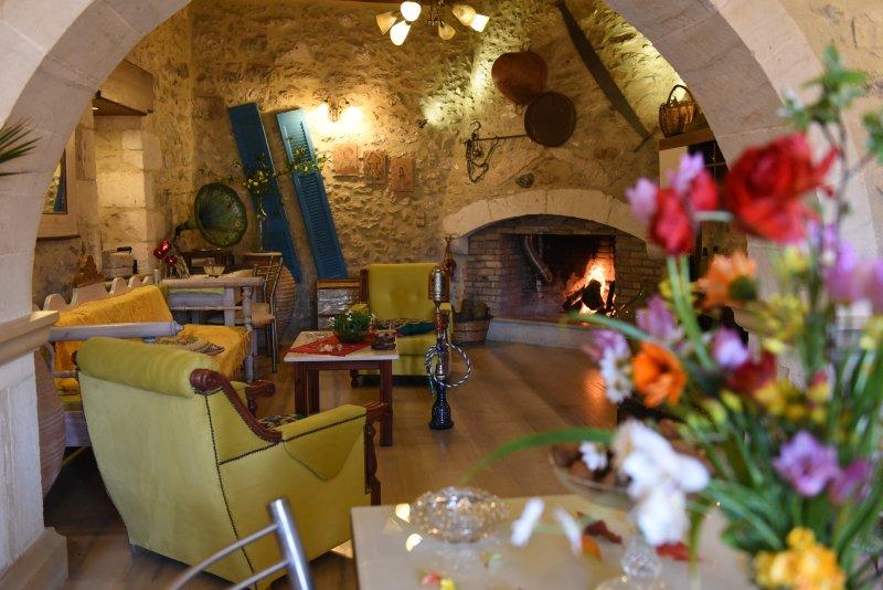 Rethymno Villa Estia ( Traditional history ), holiday rental in Kastellos