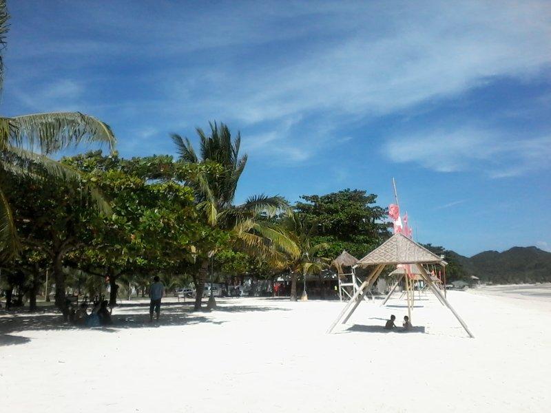 Bohol ha molte belle spiagge come Anda qui
