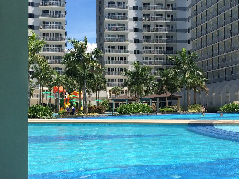 Shell Residence for Rent 1 Bedroom   Free WiFI & CABLE, vacation rental in Pasay