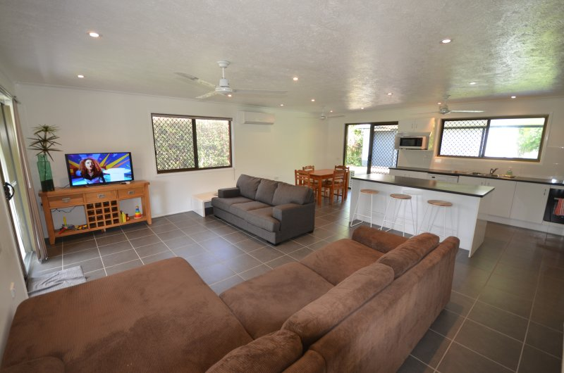 Open plan lounge/kitchen area.  Air conditioned, WiFi.  Sofa Bed.