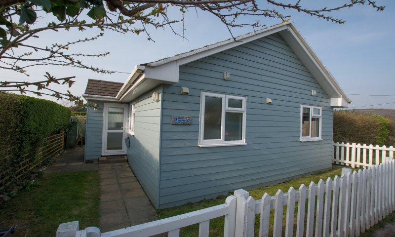 Swallows Croyde | 3 Bedrooms / Sleeps 6 | Beach Chalet, holiday rental in Braunton