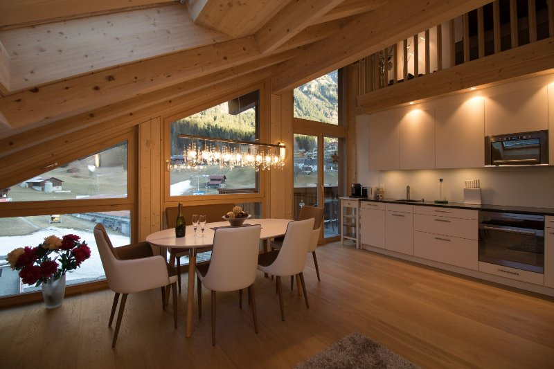 Chalet Belmont Penthouse, vacation rental in Bernese Oberland