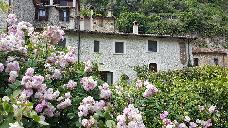 Casa Vacanza I Terzieri nel borgo storico di Ferentillo in Umbria, location de vacances à Precetto