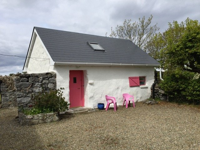 Cosy cottage on Aughinish Island