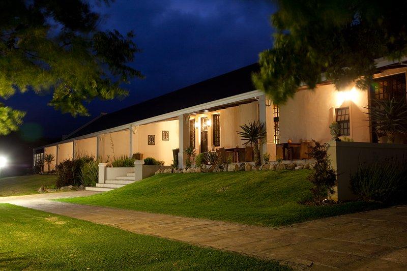 Swartberg Private Game Lodge, Ferienwohnung in Oudtshoorn